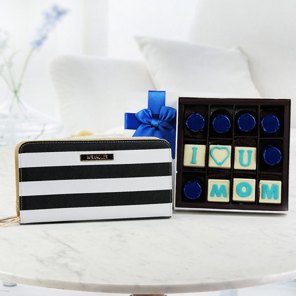 I love you mom chocolate cocolate with white and black wrangler cluth - An ideal gift combo