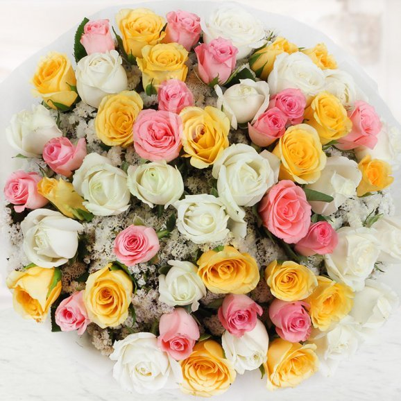 Bunch of 50 beautiful mixed color Roses with Top View