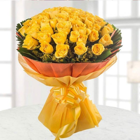 50 Yellow Roses Bunch with Front View