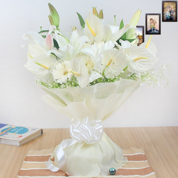 12 Mixed White Blossoms with Front View