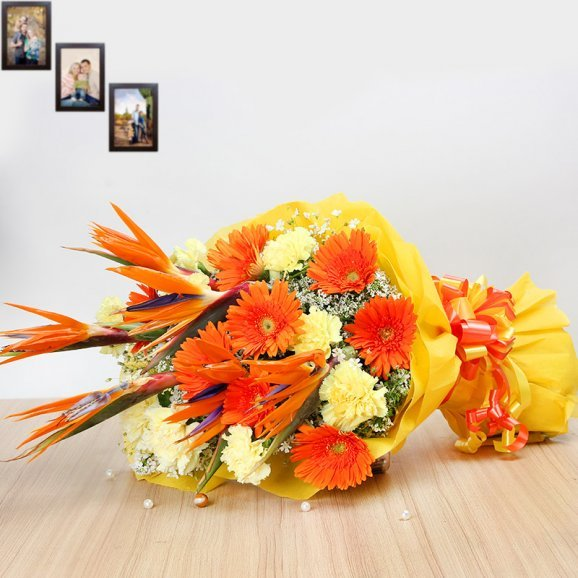 24 Mixed Flowers Bouquet in Horizontal View