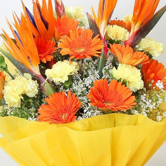 24 Mixed Flowers Bouquet in Zoomed in View