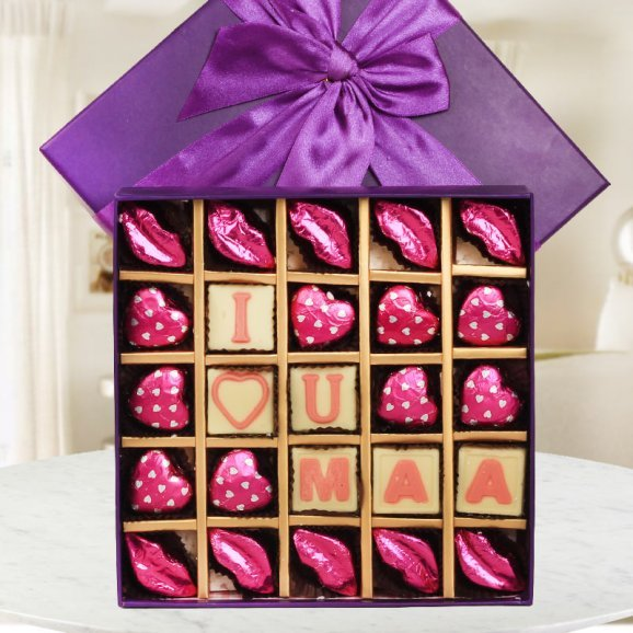 delicious desires - A Chocolate box for mother