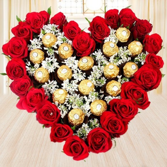 Heart shaped red roses bouquet - 2nd gift of Majestic Beauty