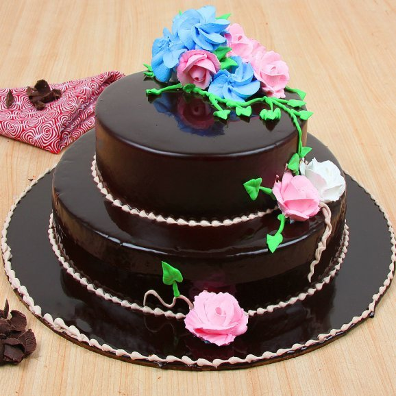2 tier chocolate cake - 2nd gift of Party Essentials