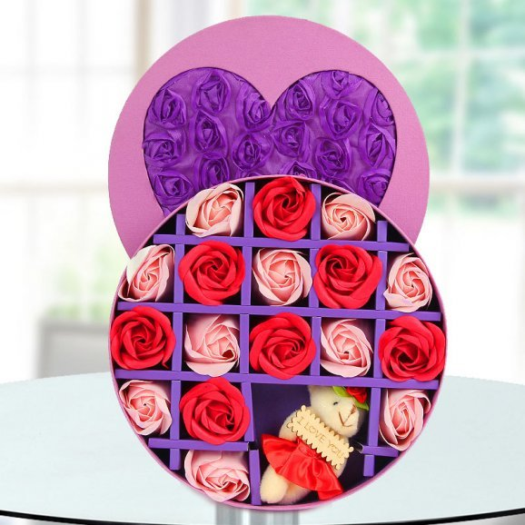 17 Rose petals of paper soaps with an aroma and refreshment