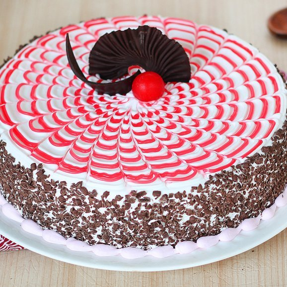 Sweet Symphony - Strawberry Chocolate Cake with Zoomed in View