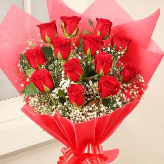 12 Red Roses Bunch with Zoomed View
