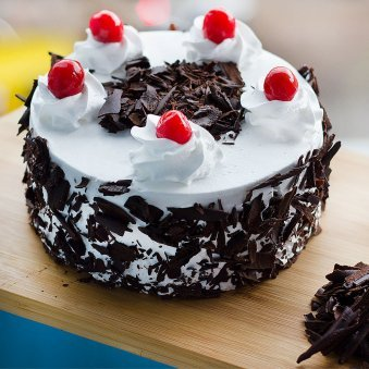 Delectable Black Forest Treat - 1/2 Kg