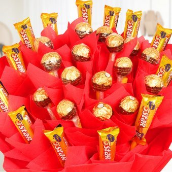 Zoom in view of Mega chocolate bouquet