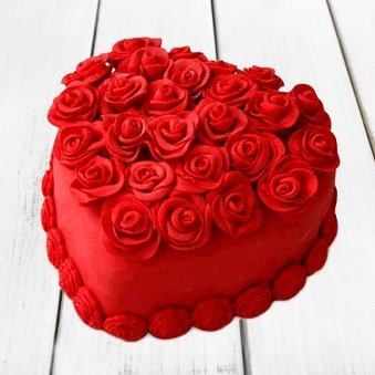 Heart Shape Strawberry Rose Cake