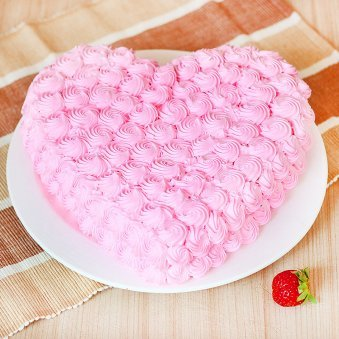 Eggless Heart-shape Strawberry Cake - Zoom View