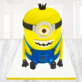 Delighted minion cake for kids