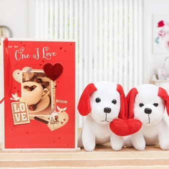 A lovely combo of a card and two puppies