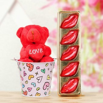 3 inch teddy with lips shaped chocolates combo