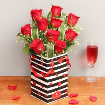 Red Roses Bunch in Love Flower Box