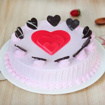 Strawberry Cake with Fondant Hearts