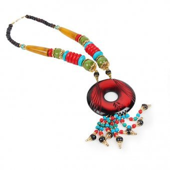 Stunning beaded necklace to gift on any occasion