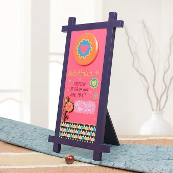 Sweetheart Quotation Table Stand with Oblique View