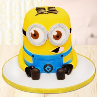 Tiny tot minion cake for children