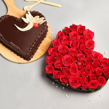 Ultimate Fantasy - Combo of 35 heart shaped roses bouquet and a 1 k.g. chocolate cake